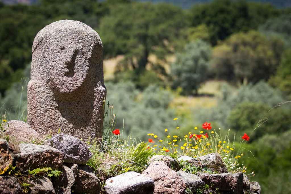Camping L'esplanade :Statue Menhir Filitosa - Camping Propriano